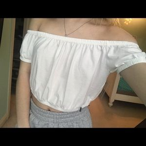 hollister white cropped off the shoulder top